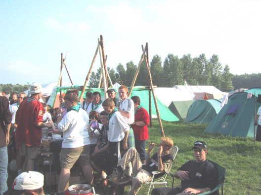 Martijn vermaakt zich met de Schotten en de explorers genieten