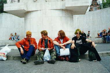 scouts op de dam in A'dam